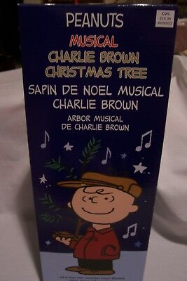 """Peanuts Musical Charlie Brown Christmas Tree 24"""" Tall with Linus Blanket"""