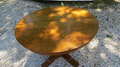 Stickley Round oak Dining  table 2 leafs Signed Stickley