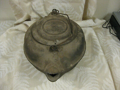 Old VINTAGE Antique Cast Iron TEAPOT Large Tea Pot Kettle (Estate Sale Find)