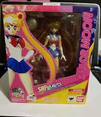 Bandai S.H.Figuarts Sailor Moon 20th Anniversary Figure