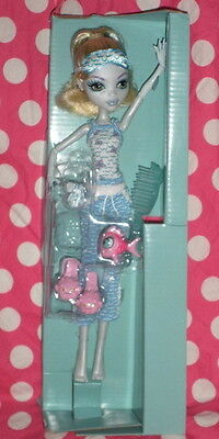 Monster High DEAD TIRED Lagoona DOLL & PET only LOOSE from hydration station NEW