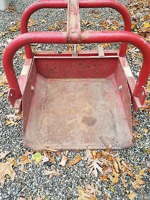 Heavy Duty 30 Inch Wide Dirt And Rock Scoop For Three-Point Hitch