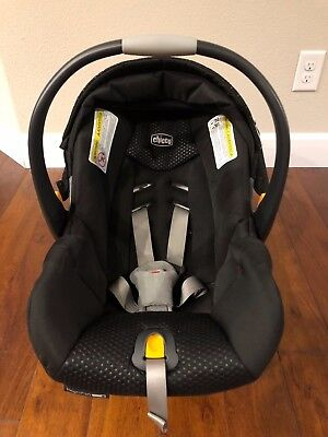 Chicco Keyfit 30 Infant Car Seat with base included, used, great condition. 2017