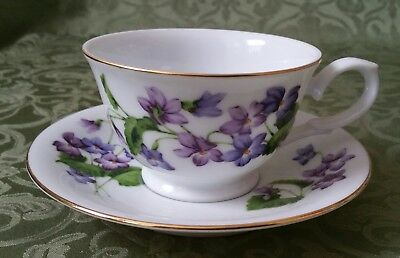 AVON February Violets BLOSSOMS OF THE MONTH CUP AND SAUCER 1991