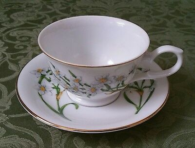 Avon December Narcissus Blossoms Of The Month Cup And Saucer 1991