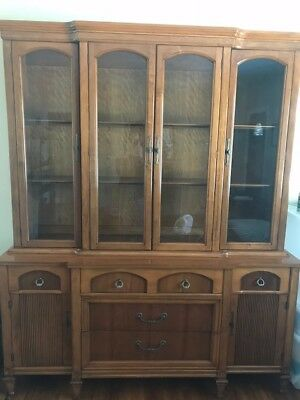 Vintage 1960's Thomasville China Hutch Mid Century - Excellent Condition