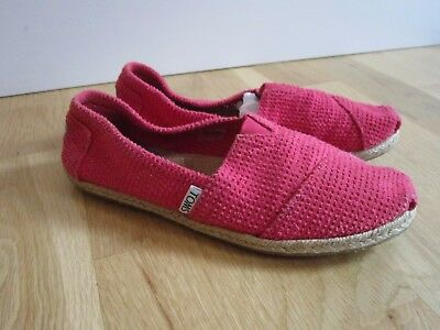 9243f2b3308 Women s Toms Freetown Size 6.5 Classic Espadrille Flats Fuchsia Slip On  Shoes