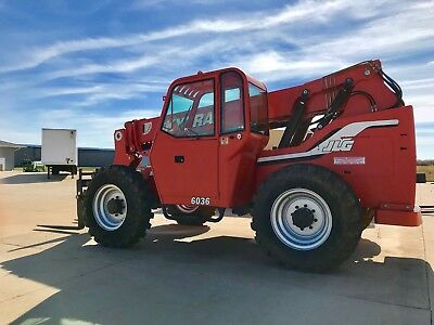 Skytrack Telehandler 6036 Diesel with New Heated Cab enclosure LOW HOURS