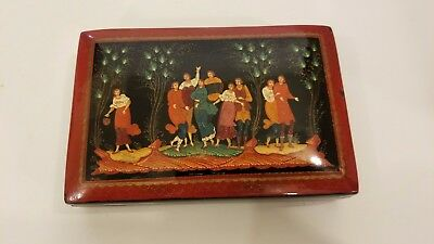 Russian Handpainted SIGNED Enamel Lacquered Lacquer Box