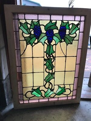 Sg 1661 Antique Stainglass Grape Leaves Landing Window 30.25 X 40.5 Hi