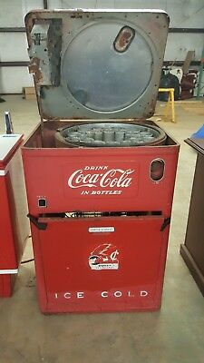 Antique Coke Machine1946 needs work