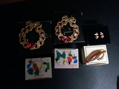Vintage lot of 5 Avon earrings and 1 hair clip in the original boxes