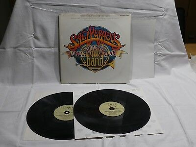 Sgt. Pepper´s Lonely Hearts Club Doppelalbum Vinyl inkl. unbenutztem Poster