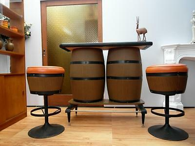 VINTAGE Retro WINE Barrel STYLE Bar & 2 STOOLS Orange VINYL Very COOL QZZQ SA