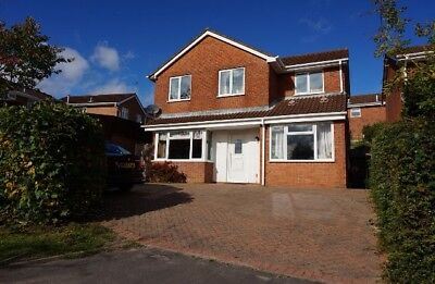 Spacious Five Bedroom, Two Bathroom, Detached House. Sought after location.