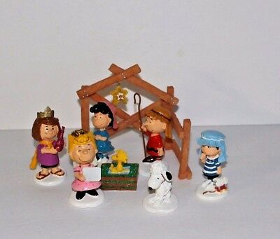 Dept 56 Peanuts Charlie Brown 2011 A Christmas Pageant Nativity 8 Pc Set
