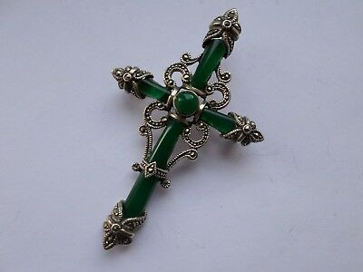 Beautiful sterling silver and green glass & marcaiste cross brooch pendant