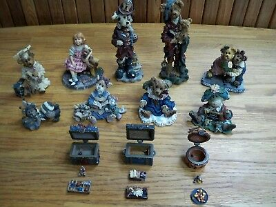 Boyd's Bears And Friends Numbered Resin Figurines, lot of 12 pieces
