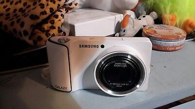 Samsung Galaxy EK-GC110 16.3 MP 8GB White Compact Digital Camera - 1080p guc