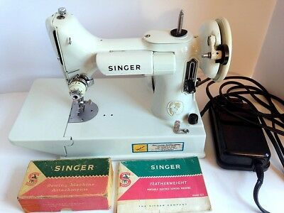 Vintage Singer Featherweight Sewing Machine # 221k Case Manual Accessories White