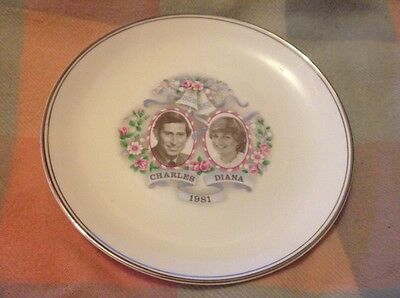 Prince Charles & Lady Diana Spencer : Commemorate Plate 1981 Wedding