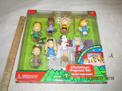 Peanuts Christmas Pageant Nativity Set Charlie Brown Snoopy  Stage New In Box