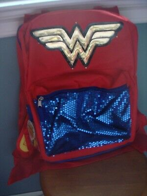 New With Tag 2016 Wonder Woman Backpack With Detachable Cape & Light-Up Ww Logo!