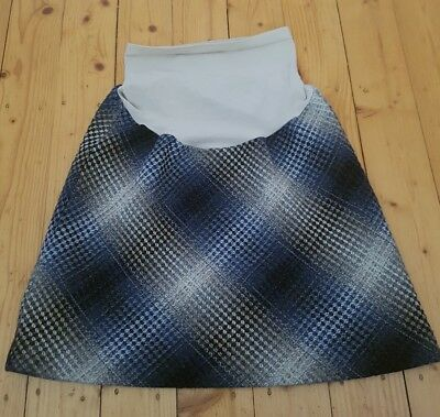 Pea In The Pod Maternity Skirt size M in EUC