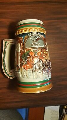 """1997 Budweiser Holiday Stein """"Home for the Holidays"""" NOS CS313"""