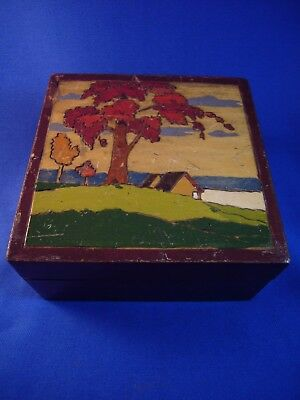 Vintage small wooden box. Art Deco picture on top
