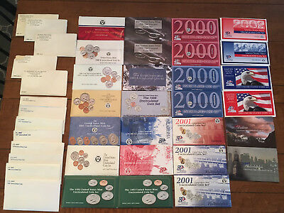 US Mint Uncirculated Coin Sets, 32 sets, mixed lot 1965 to 2007