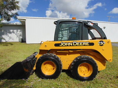 John Deere 250 Turbo - Enclosed Heated Cab - Strong 64 Hp -  3,600 Lb Tip Load