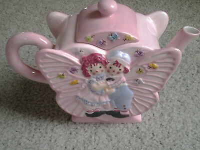 RAGGEDY ANN & ANDY BUTTERFLY 32 ounce CERAMIC TEAPOT by SIMON & SCHUSTER orig bx