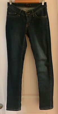 Womens Junior Levi slim cut straight leg lower rise size 7m jeans with stretch
