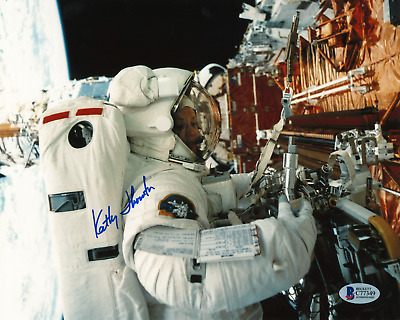Kathy Thornton Signed 8x10 Photograph BAS C77349 STS-61, STS-49, STS-33, STS-73