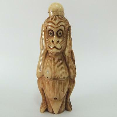 Chinese Snuff Bottle Retro Design Antique Bovine Bone Hand-carved Of Cute Monkey