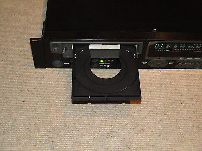 High-End CD-Recorder: Alesis Masterlink ML 9600 Master Disk Recorder