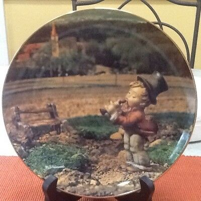 "Danbury Mint M.I. Hummel Calendar Plate Collection ""November"""