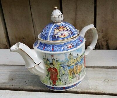 Vintage Sadler teapot Thameside England # 4739 London Heritage Collection