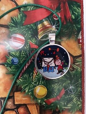 Charlie Brown decorating his christmas tree dark green  adjustable Necklace