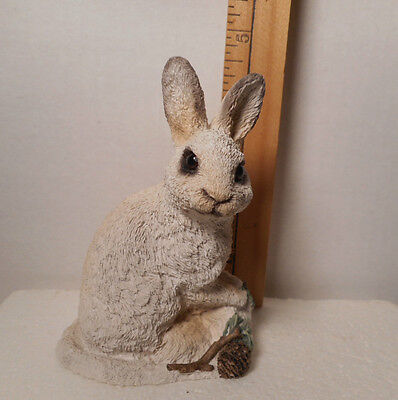 Vintage 1991 STONE CRITTERS - BUNNY SNOWSHOE HARE-  SC-386 UDC Retired