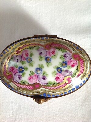 Very Pretty Hand Painted Signed Limoges Box