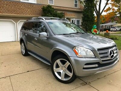 2011 Mercedes-Benz GL-Class  2011 Mercedes GL 550 ONE OWNER VEHICLE CLEAN CARFAX NEW TIRES