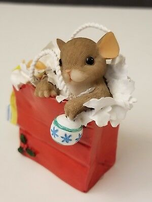 """Charming Tails Ff #87157 Resin Mouse Holiday Figurine """"your Gift Is In The Bag"""""""