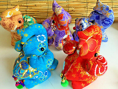 Lot of 5 kneeling elephants.Great gift idea.Very good quality.Bead trim tail.New