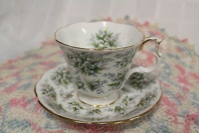 """ROYAL ALBERT """"Lambeth"""" from Nell Gwynne Series TEACUP & SAUCER"""
