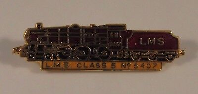 L.M.S CLASS 5 No. 5407 OLD STEAM TRAIN SHAPED ENAMEL PIN BADGE RAILWAY VINTAGE