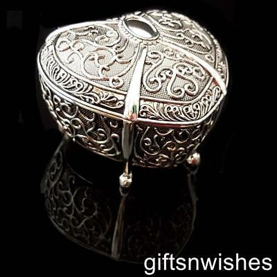 ELEGANT Heart Embossed Antique/Vintage Style Silver Plated Jewellery/Trinket Box