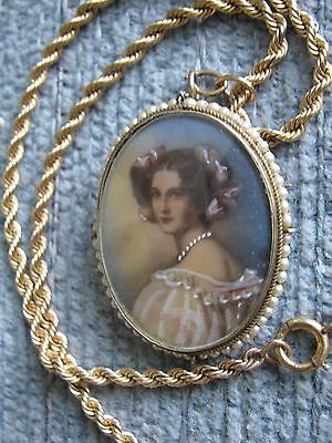 """VTG CAMEO Auguste Strobl Transferware Painted 1.5"""" Tall 12K Gold Fill 14"""" Chain"""