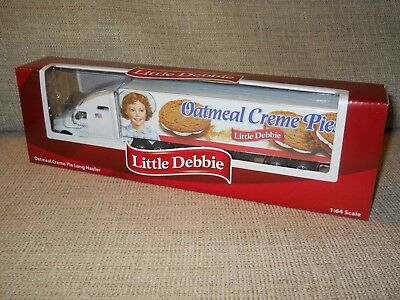 NEW Little Debbie OATMEAL CREME PIE LONG HAULER 1:64 Scale Truck Model NIB
